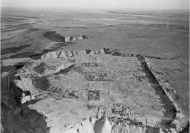 Aerial photograph of Dura (facing southeast) taken by the French Air Force during the final excavation season in 1936–1937